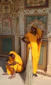 indienne en jaune